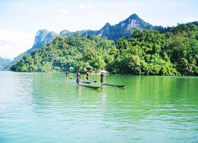 Du lịch Bắc Kạn - Hồ Ba Bể (ảnh: internet)