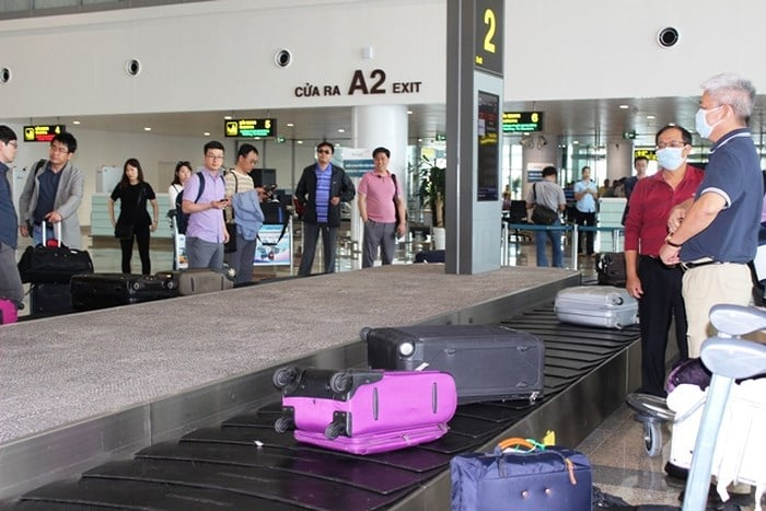 Lấy hành lý sân bay