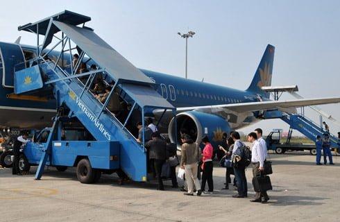 Hành khách lên máy bay