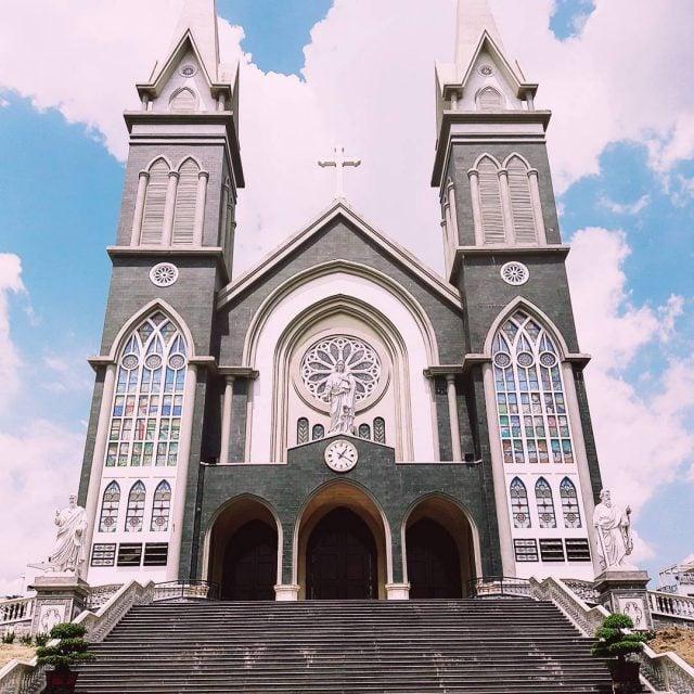Nhà thờ chánh tòa Phú Cương