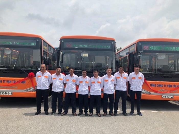 Đội ngũ nhân viên xe buýt số 68