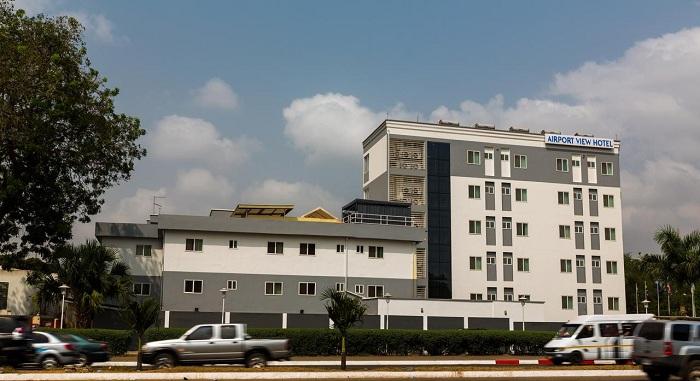 Airport view hotel cách sân bay Nội Bài khoảng 500m