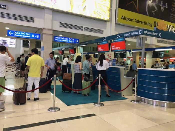 Quầy làm thủ tục hành lý Vietnam airlines