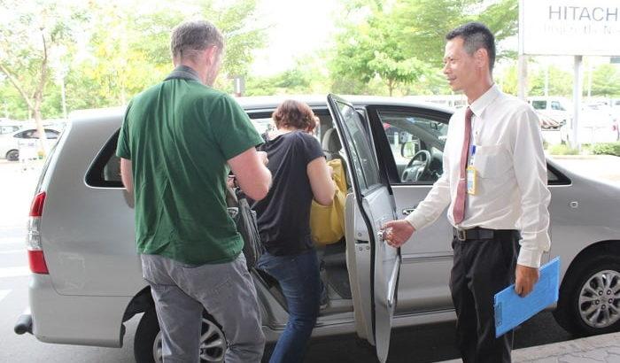 Dịch vụ Taxi sân bay Nội Bài 7 chỗ - Xe VIP Nội Bài