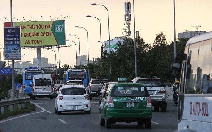 Taxi đi sân bay quốc tế Nội Bài