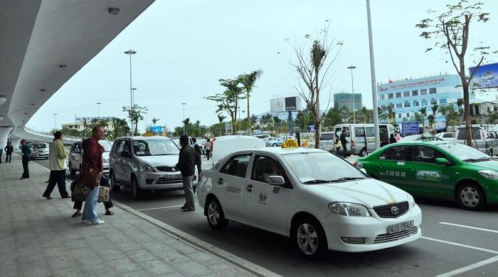 Taxi dịch vụ trên sân bay