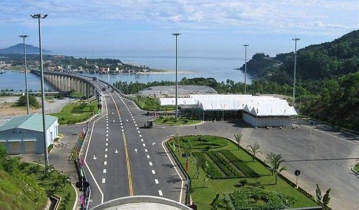 Đi taxi từ sân bay Đà Nẵng đi Lăng Cô