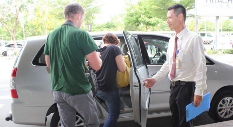 taxi đại nam đi sân bay